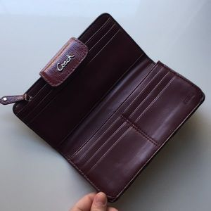 Coach Bags - BRAND NEW leather Coach wallet